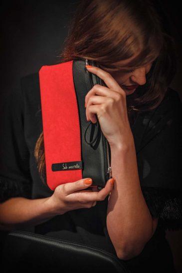 Raudona (2)
